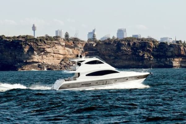 NEW OCEAN YACHTS 68 FLYBRIDGE