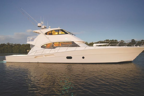RIVIERA 75 ENCLOSED FLYBRIDGE CRUISER